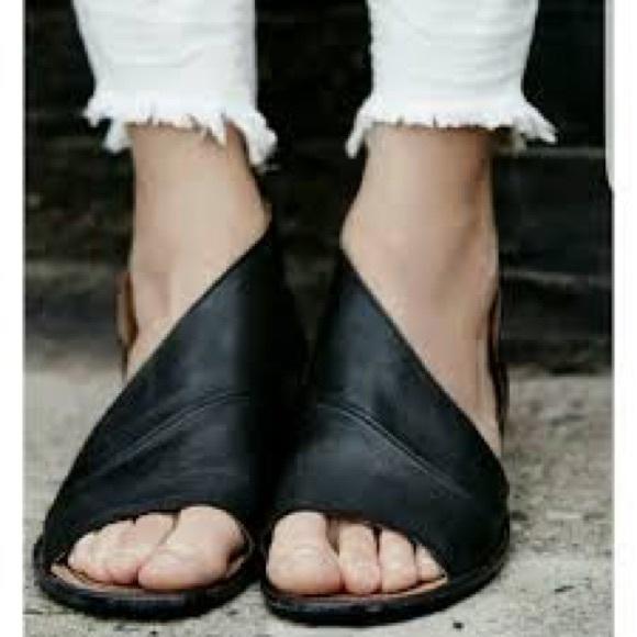 Free People Women's 'Mont Blanc' Asymmetrical Sandal MwNZ83Xa